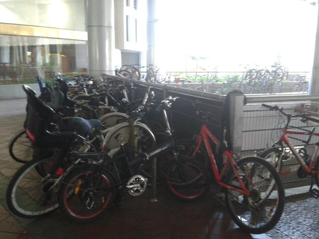 עוד מקבץ חדש של מתקני קשירת אופניים